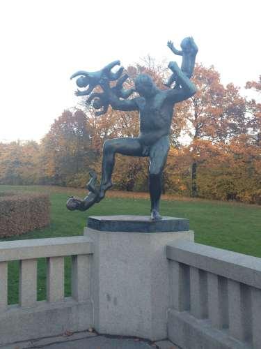 Frognerparken Oslo lostlara.com