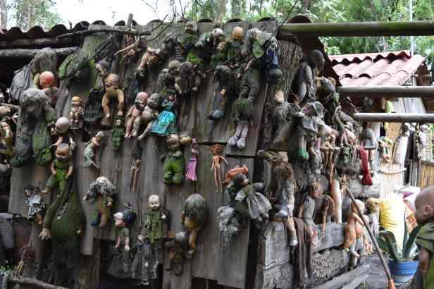 Island of the Dolls lostlara.com