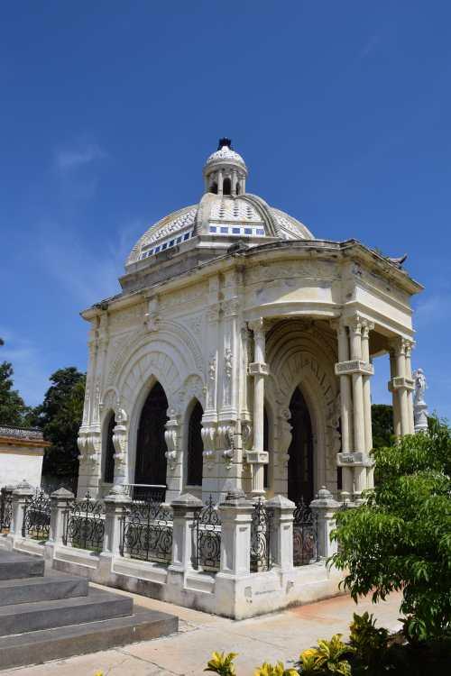 Colon Cemetery Havana lostlara.com