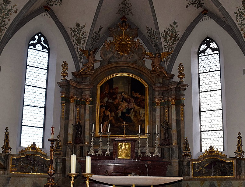 The two catacomb saints in the Church of St. Martin, Aulendorf are difficult for the public to access.